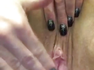 Squirting amateur at work