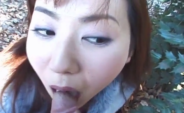 Japanese Teen Outdoor Blowjob