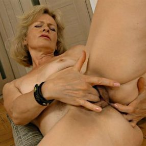 Cougar Diana Fingering Fun