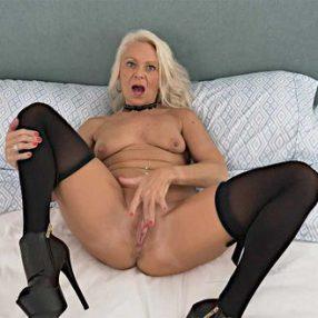 Sexy Blonde Cougar Jynn Daor Solo