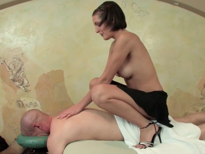 Hot Babe Massage