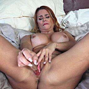 Cougar Juliett Russo Pussy Play