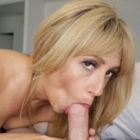 Blonde Cougar Hot Blowjob