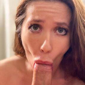 MILF Bianca Burke Blowjob