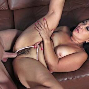 Cougar Lucky Starr Fucked by Lover