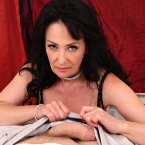 Cougar Mrs. Olesya hot cock massage